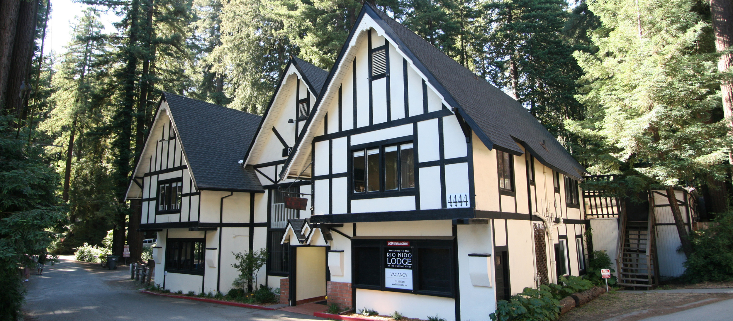 Historic Rio Nido Lodge Welcome